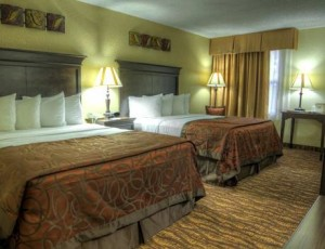 Well-appointed rooms at Myer Hotel's Holiday Inn Express on Green Mountain Drive.