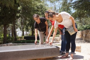 In the Jewish tradition of remembrance, Anita, Hannah and Emma lay a stone on Golda Meir's grave. Meir was the fourth prime minister of Israel and a world leader for peace.