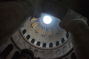church of holy sepulchre dome