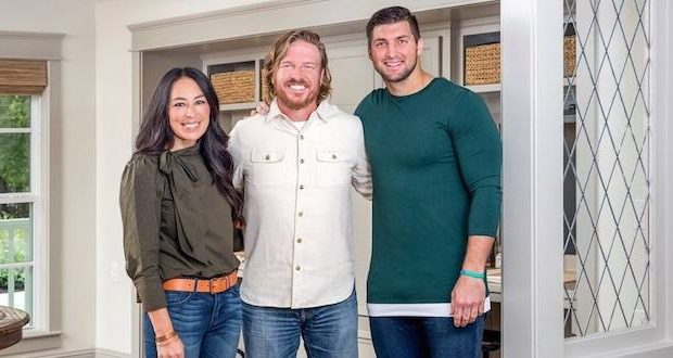 fixer upper stars host tebow and bush for last season metro voice news. Black Bedroom Furniture Sets. Home Design Ideas