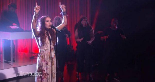 Singer Lauren Daigle Sings On The Ellen Show Wednesday Metro